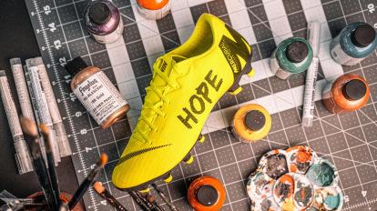 pantalones explosión submarino  Zapatillas y botas de fútbol personalizadas - Blogs - Tienda de fútbol  Fútbol Emotion