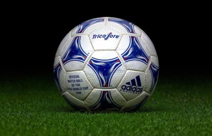 Individualidad capital Depender de  Si creciste en los 90, tuviste uno de estos balones - Blogs - Tienda de  fútbol Fútbol Emotion