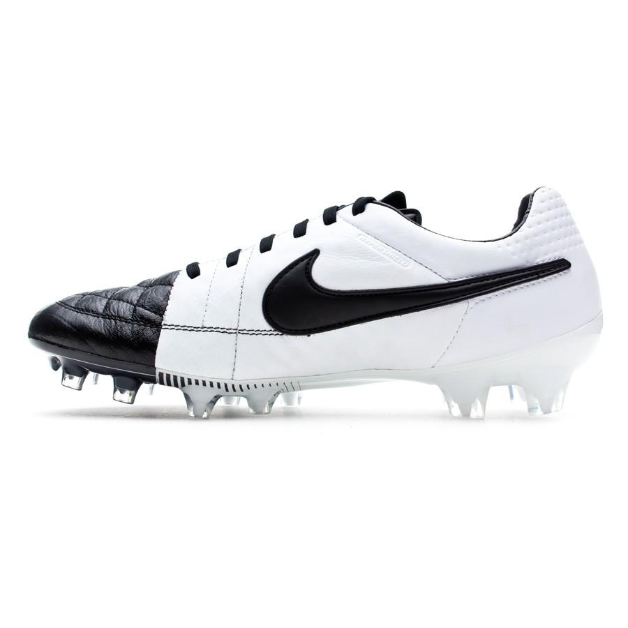 online store 222ab 5932c Zapatos de fútbol Nike Tiempo Legend V FG ACC Negra-Blanca - Soloporteros  es ahora Fútbol Emotion