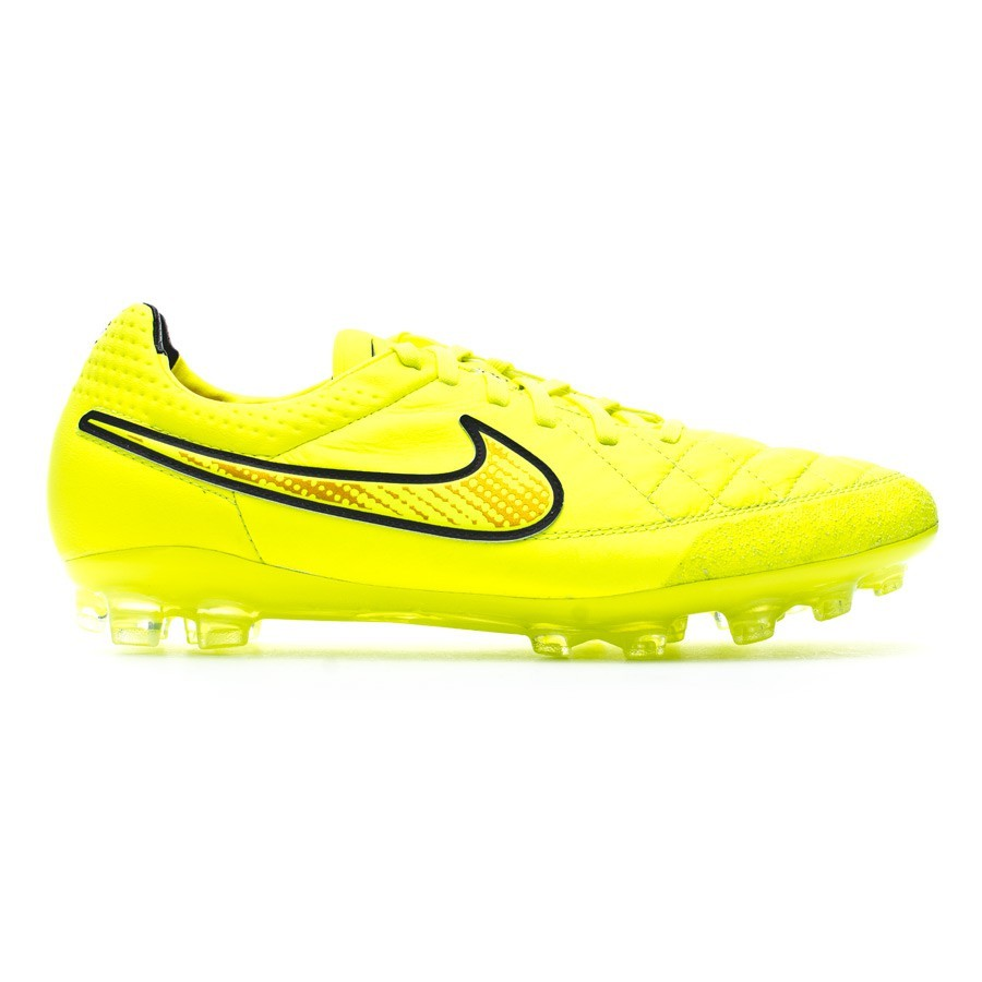 nike tiempo legend v football boots