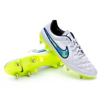 714cbc2e2 The boots worn by Gerard Piqué - Tienda de fútbol Fútbol Emotion