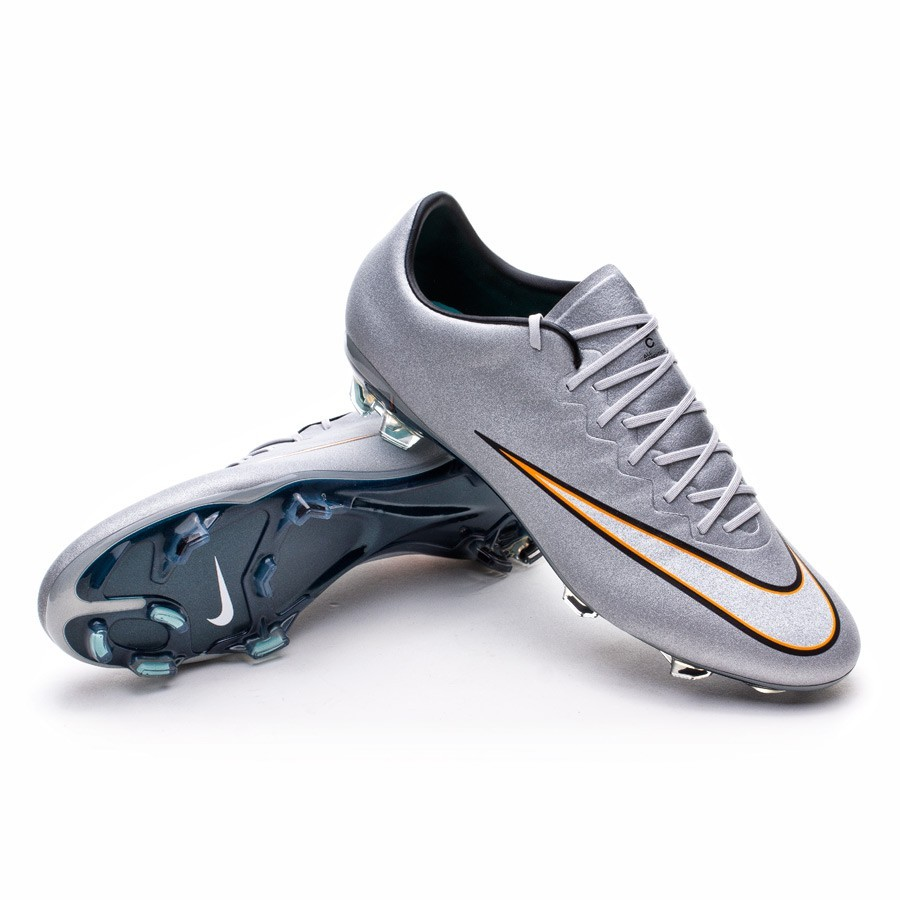 e80cfe711 The boots worn by Cristiano Ronaldo - Football store Fútbol Emotion