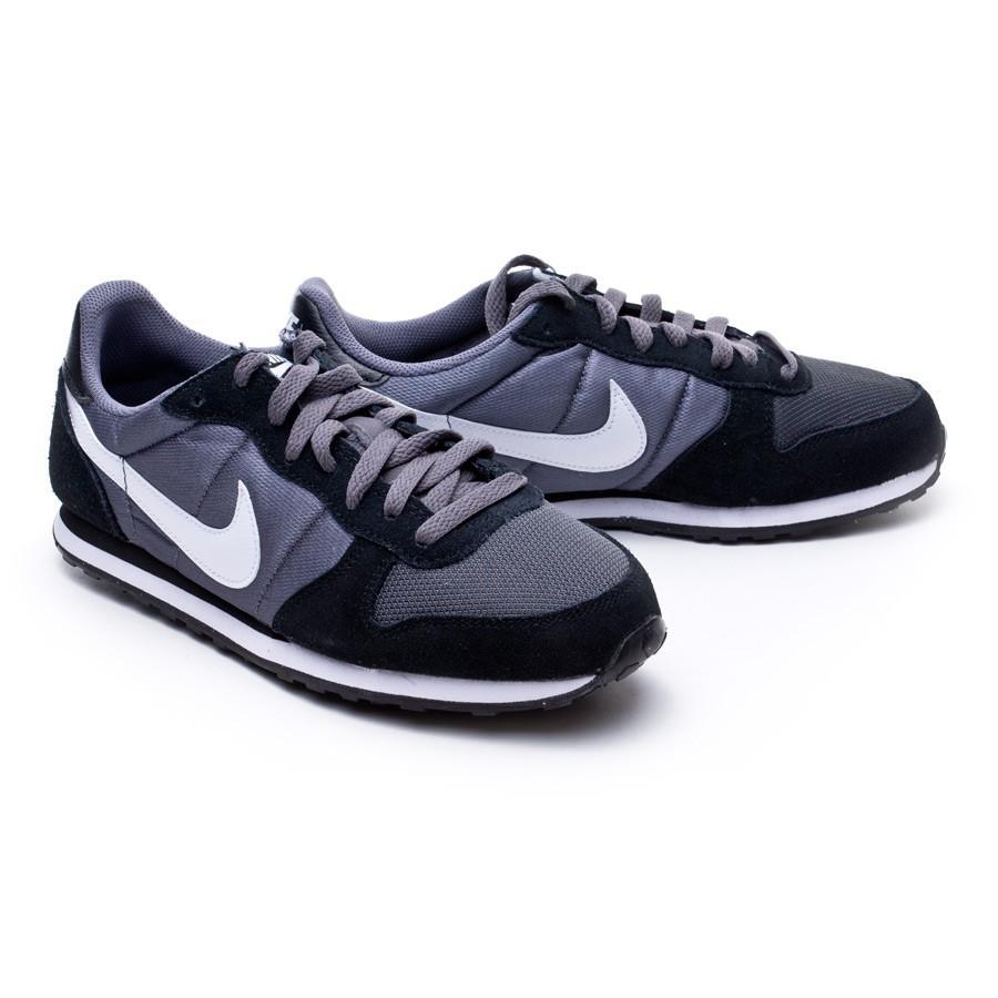18e04354d6649 Trainers Nike Genicco Dark grey-White-Black - Tienda de fútbol ...