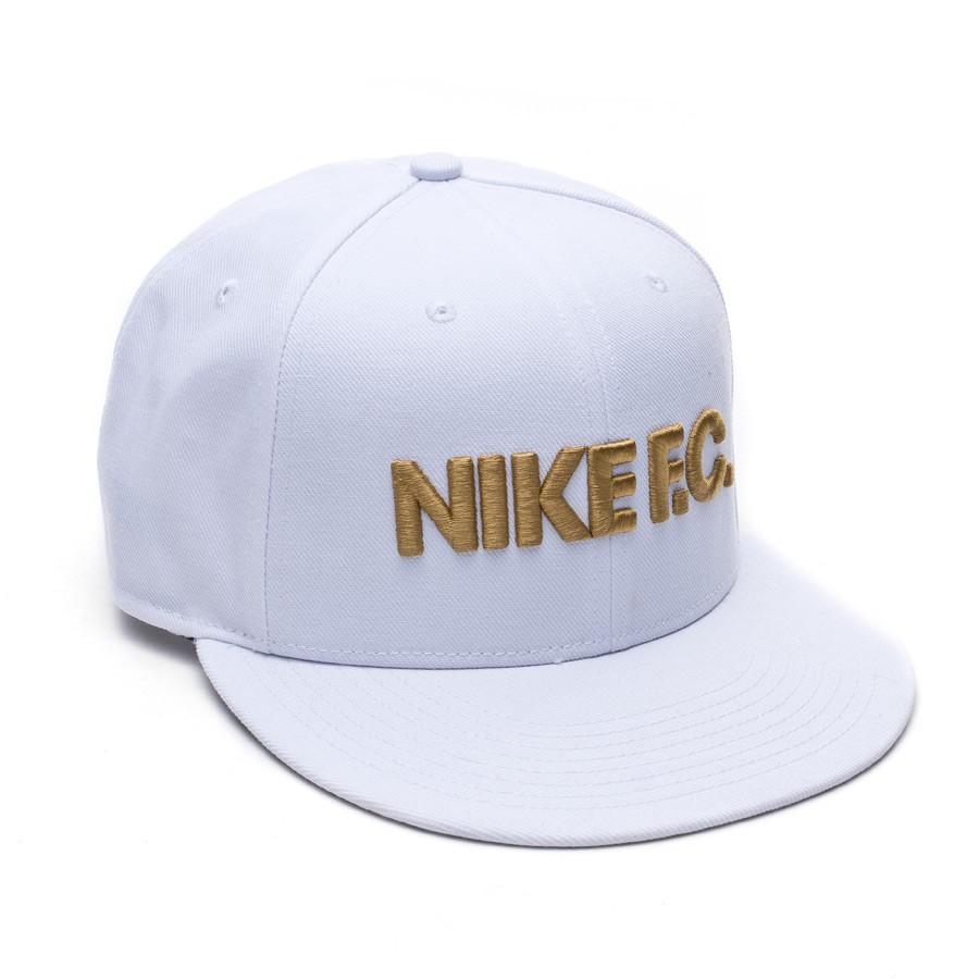 Cappello Nike Nike F.C. True Flat Bill Bianco-Oro - Negozio di ... 5cee19eadf6e