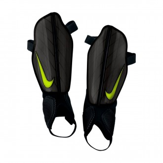 Caneleira  Nike Attack Stadium Black
