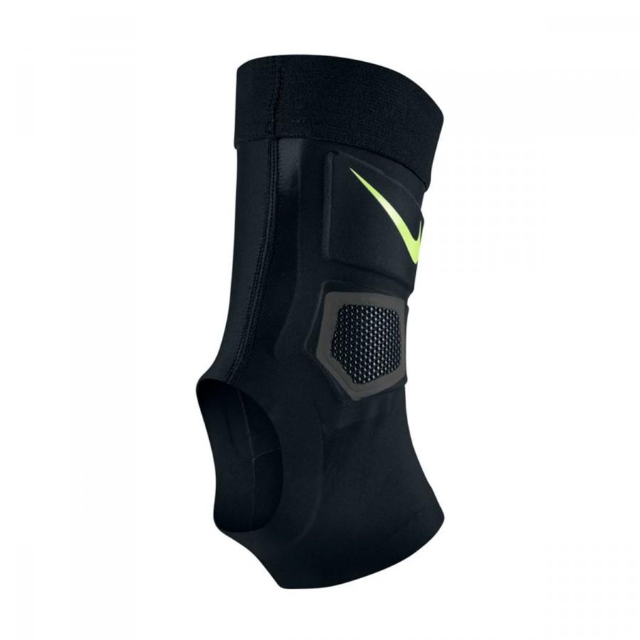 8b3b5ef11 Ankle support Nike Hyperstrong Strike Black - Tienda de fútbol ...