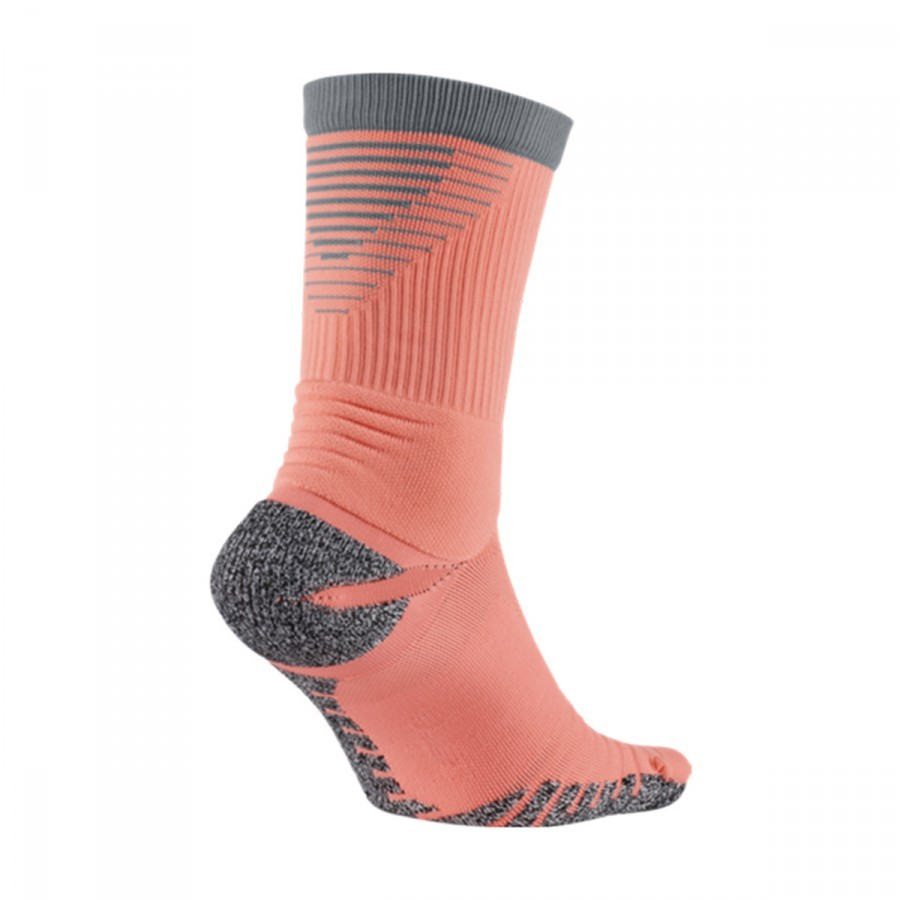 a2beb2886 Socks Nike GRIP Strike Lightweight Crew Atomic pink-Cool grey - Football  store Fútbol Emotion