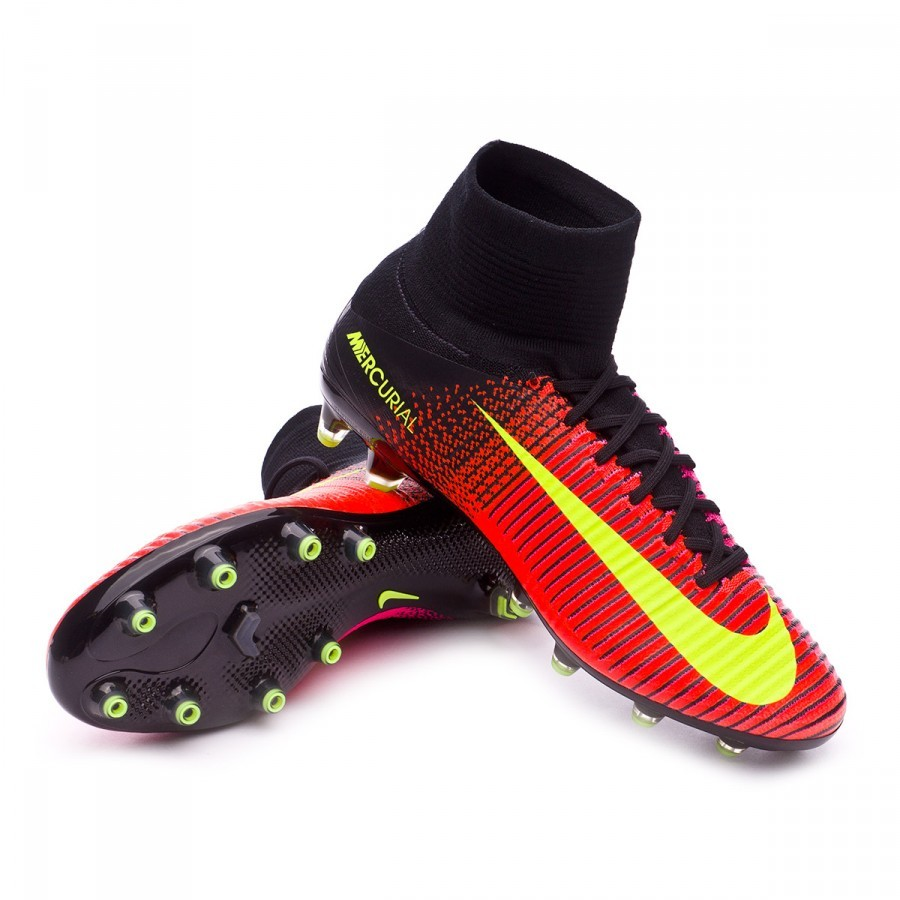 The boots worn by Cristiano Ronaldo - Football store Fútbol Emotion 782e84515e641
