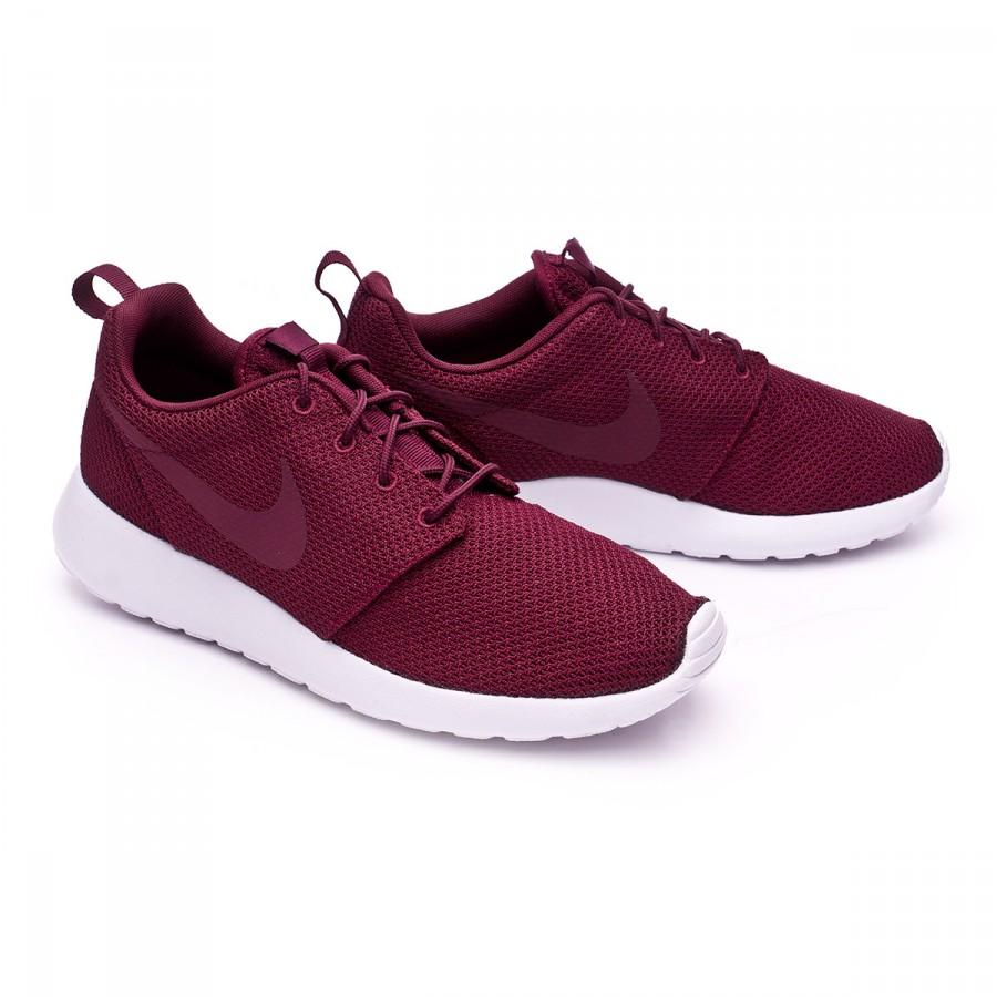 18f685831e7c Trainers Nike Roshe One Night maroon-White - Football store Fútbol ...