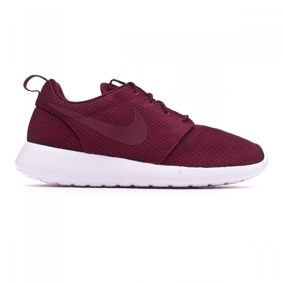 ae057624704b Trainers Nike Roshe One Night maroon-White - Football store Fútbol Emotion