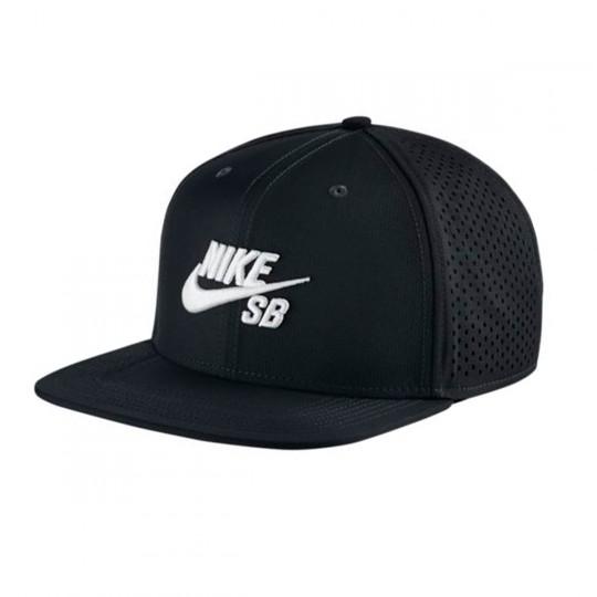 5df0fbabcd199 Cap Nike SB Performance Trucker Black-White - Football store Fútbol Emotion