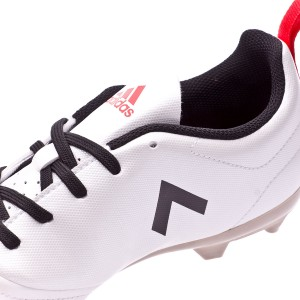 15c06af89ac adidas uses a narrower last to adapt to the female anatomy. Central bowknot  and inner padding on the heel area that combined with the outer heel  counter fix ...