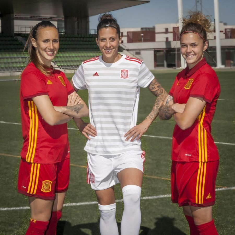 ... Camiseta España Primera Equipación Euro 2017-2018 Mujer Power red.  CATEGORÍA 8237d8e7809c6