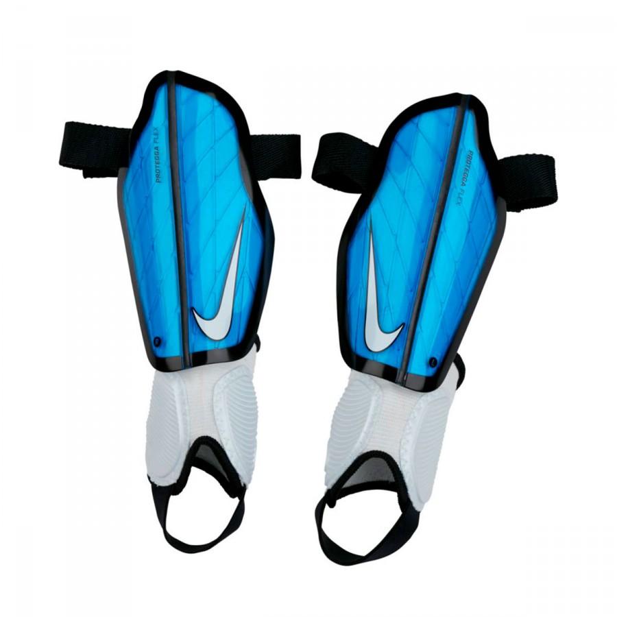 c453f4828d0a6 Espinillera Nike Protegga Flex Niño Photo blue-White - Tienda de fútbol  Fútbol Emotion