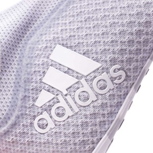 d8d303274 Low profile boot, it incorporates an EVA layer to achieve a perfect  cushioning against all kind of impacts.