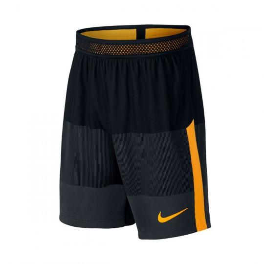 Pantalón corto  Nike Aeroswift Strike Football Niño Black-Laser orange