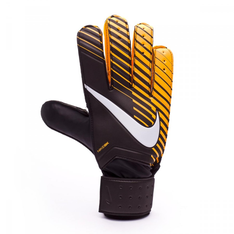 ... Guante Match Black-Laser orange-White. CATEGORY. Goalkeeper Gloves.  Brand: Nike