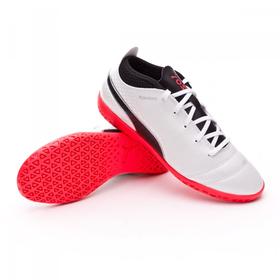 765461d58 Zapatilla Puma ONE 17.4 IT Niño Puma white-Puma black-Fiery coral - Tienda  de fútbol Fútbol Emotion