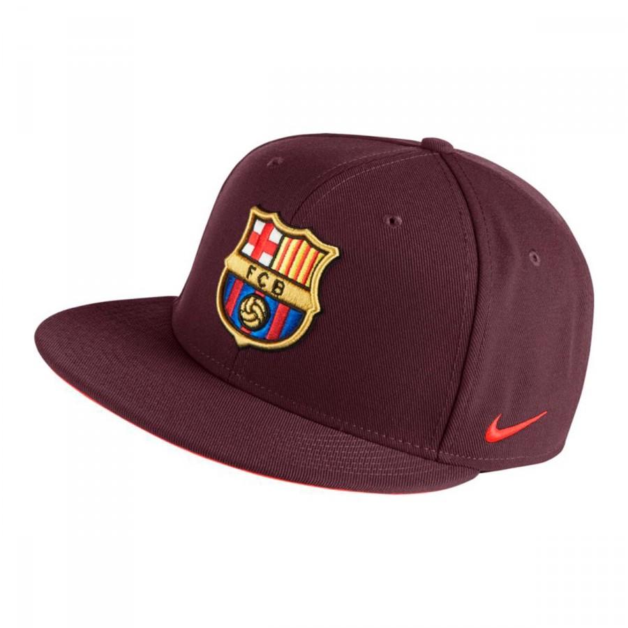 a1956a038797c Nike FC Barcelona True Core 2017-2018 Cap. Night maroon-Hyper crimson ...