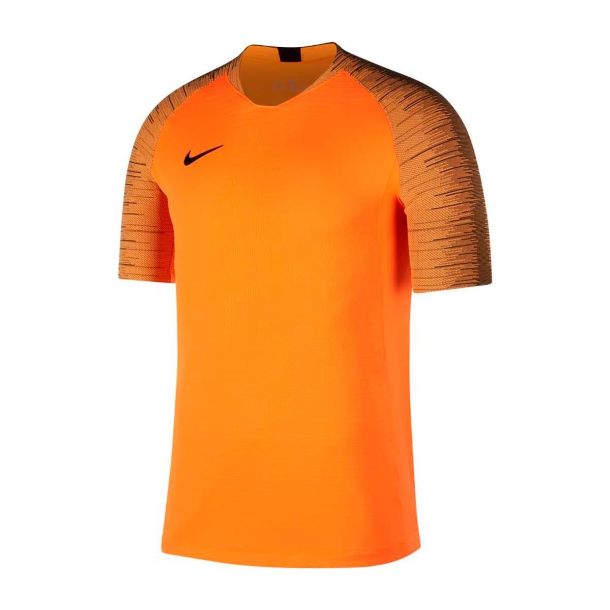 Jersey Nike Aeroswift Strike Top SS Cone-Black - Football store ... 91b4fc77a89