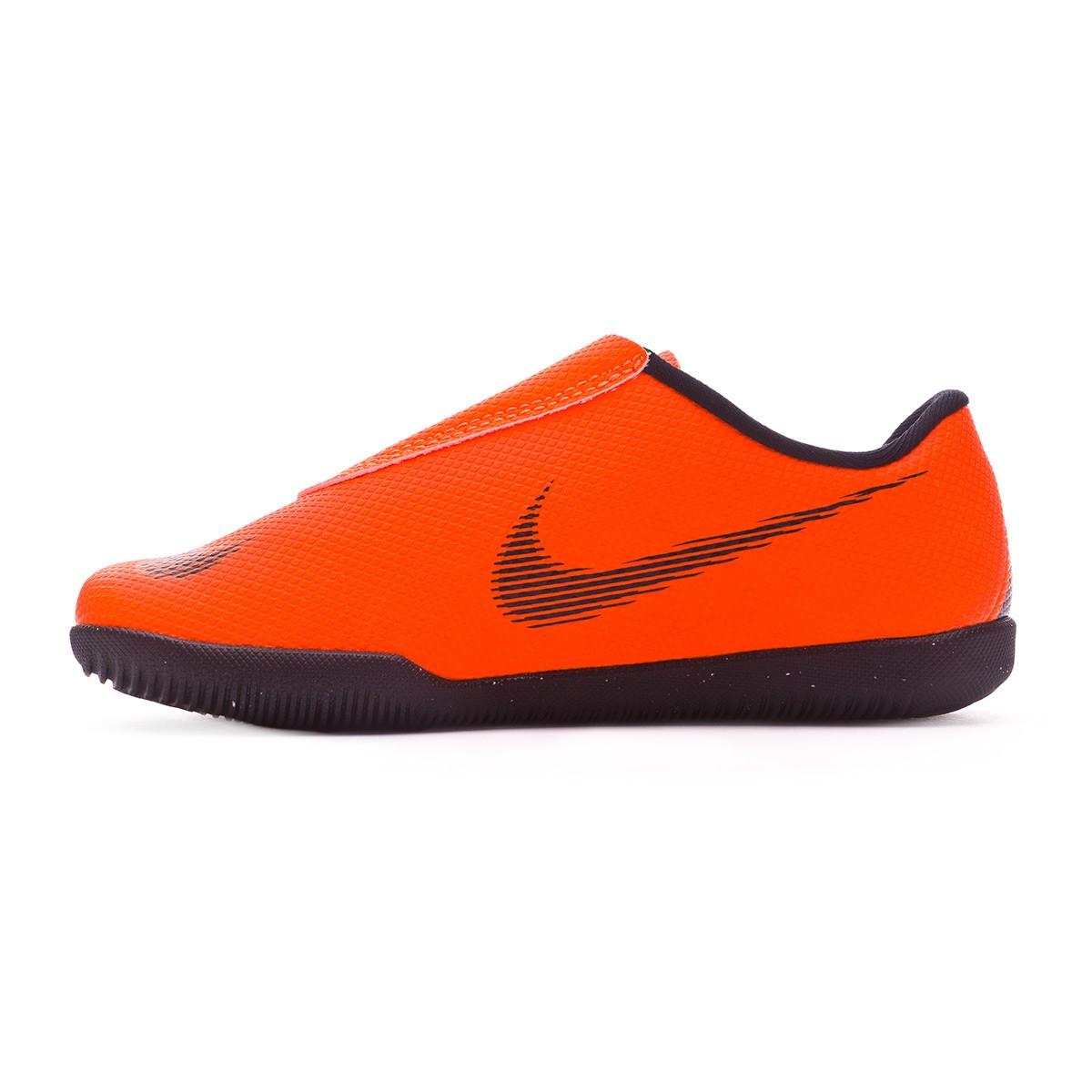 03a33f637bf2 Futsal Boot Nike Mercurial VaporX XII Club PS Velcro IC Kids Total orange- Black-Volt - Football store Fútbol Emotion