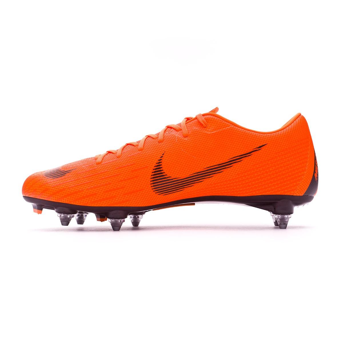 ... Bota Mercurial Vapor XII Academy SG-Pro Total orange-Black-Volt.  Categorías de la Bota de fútbol 4fc3c43894e6f