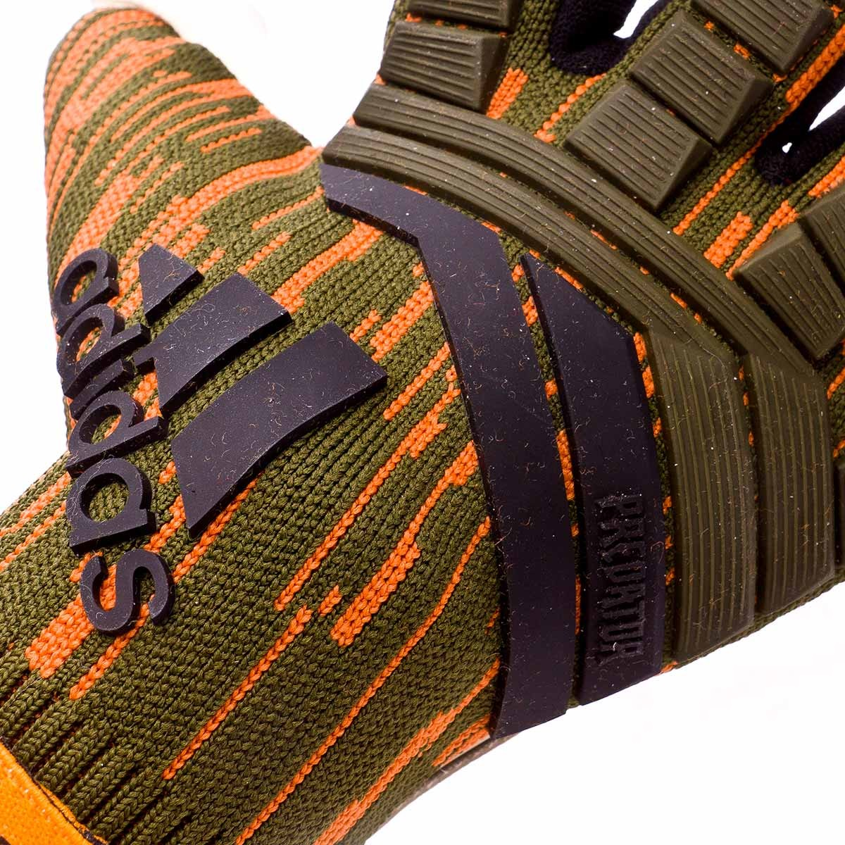 bd260136a77a Glove adidas Predator Pro Lone Hunter Trace olive-Black - Football store  Fútbol Emotion