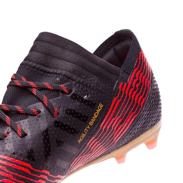 ac7ae2b4d The 17.1 incorporates laces which in combination with the Agility Bandage  technology will provide a personalized adjustment and lockdown.