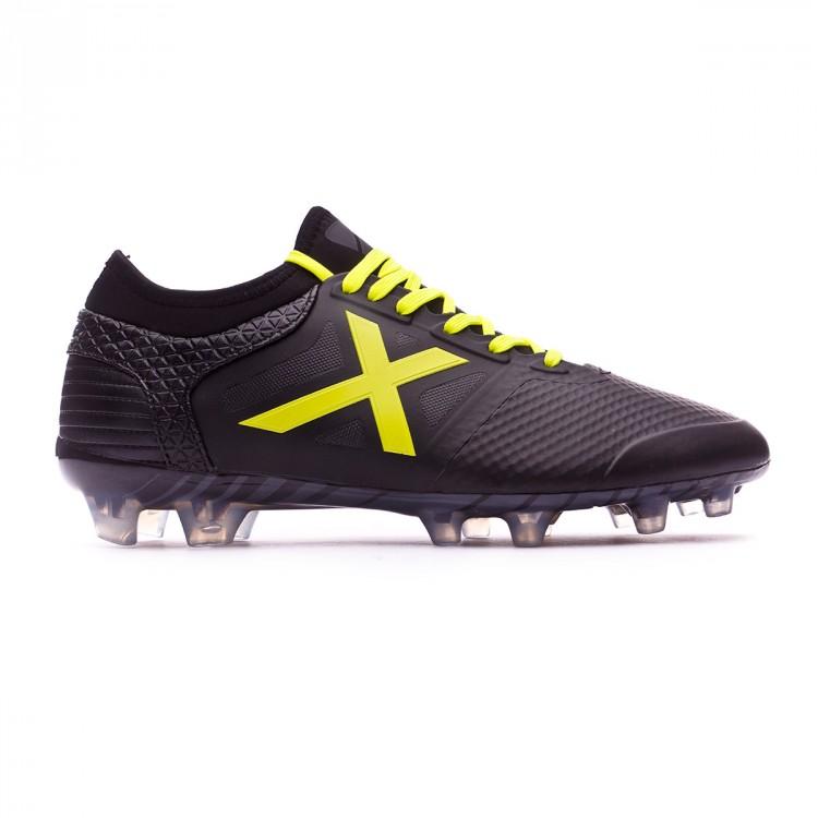 bota-munich-tiga-negro-amarillo-1.jpg