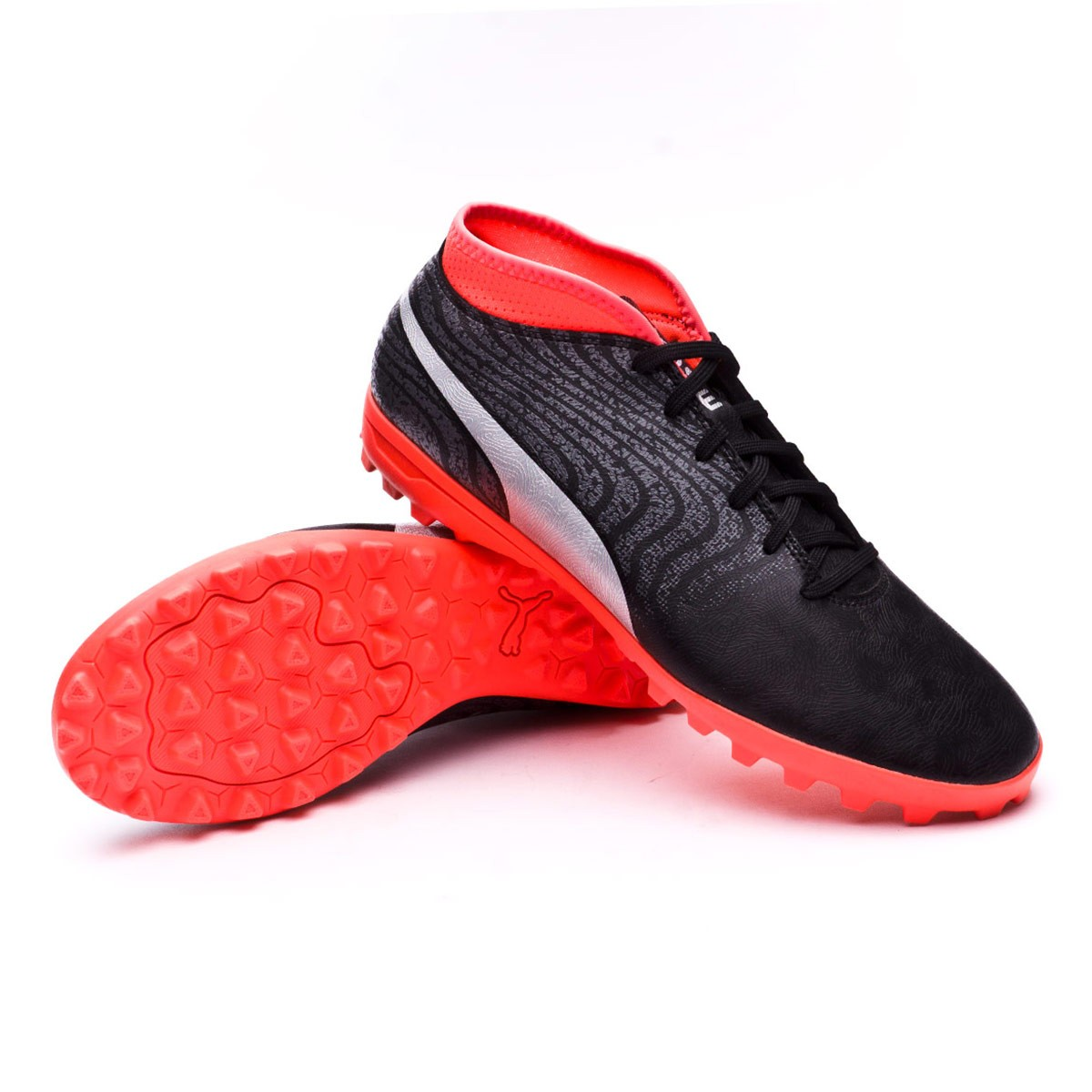 Scarpe Puma One 18.4 Turf Puma Black-Puma Silver-Red Blast - Negozio di  calcio Fútbol Emotion ab2d702671e