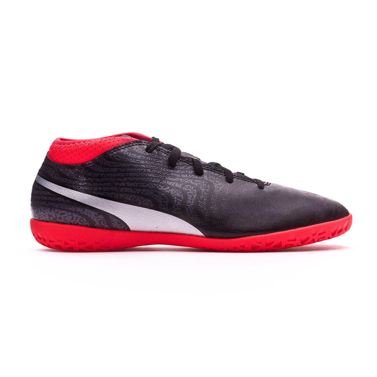 598881d11b49a Zapatilla Puma One 18.4 IT Niño Puma Black-Puma Silver-Red Blast - Tienda  de fútbol Fútbol Emotion