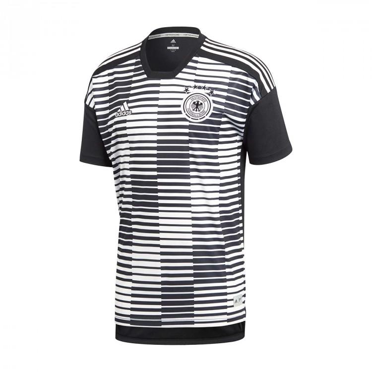 No te pierdas las camisetas de pre entrenamiento que utilizarán Argentina 31de98bc97e30