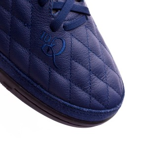 9ed6e84db The natural skin upper is kept but with an obvious change: Nike has decided  to replace the inner struture and bring the seams back to the surgace of  the ...