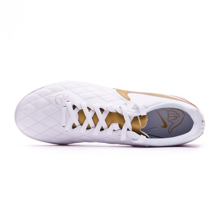 zapatilla-nike-legendx-vii-academy-10r-barcelona-turf-white-metallic-gold-white-4.jpg