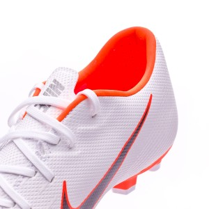 7536bbb039a On the inside of the Mercurial Vapor Academy there is an anti-sliding  insole that