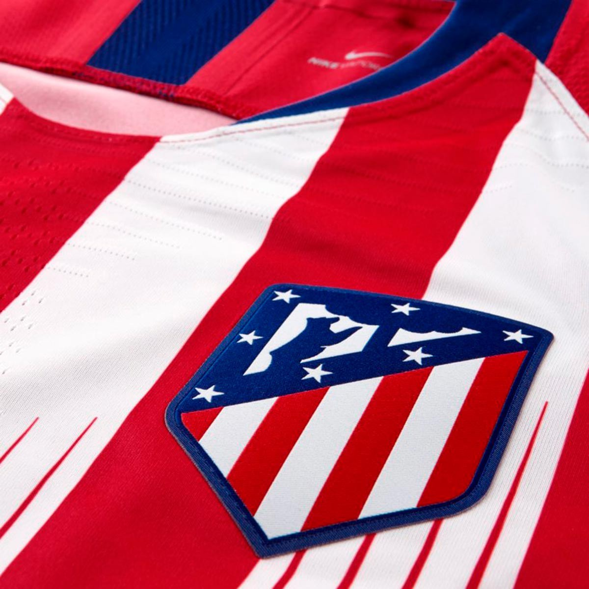 c52537657 Jersey Nike Atlético de Madrid Vapor 2018-2019 Home Sport red-White-Deep  royal blue - Tienda de fútbol Fútbol Emotion