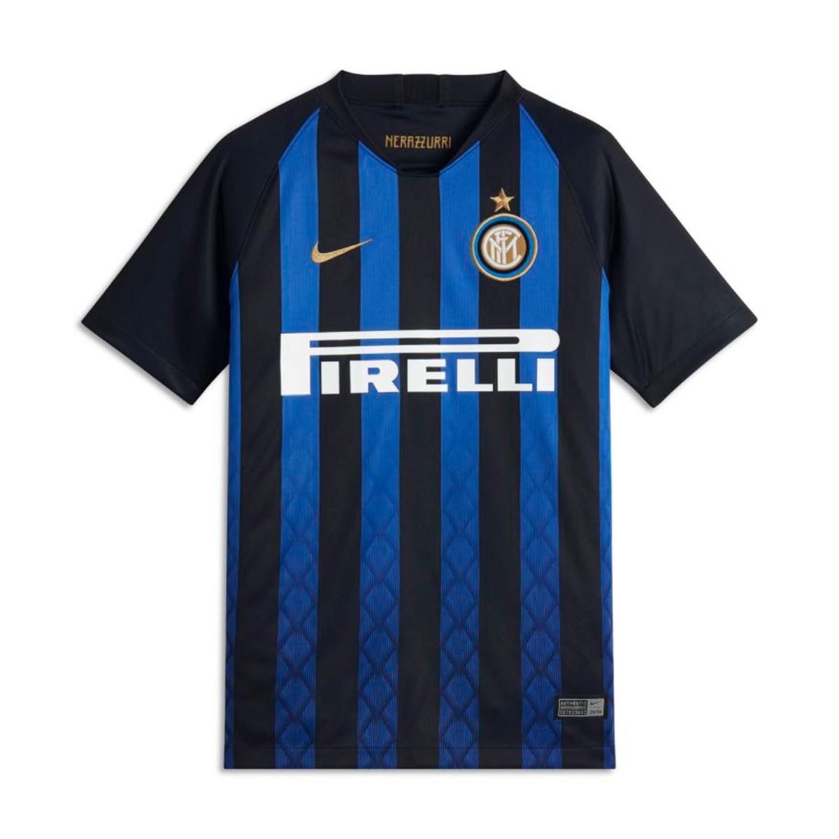 Milan form for the season 2018-2019 11