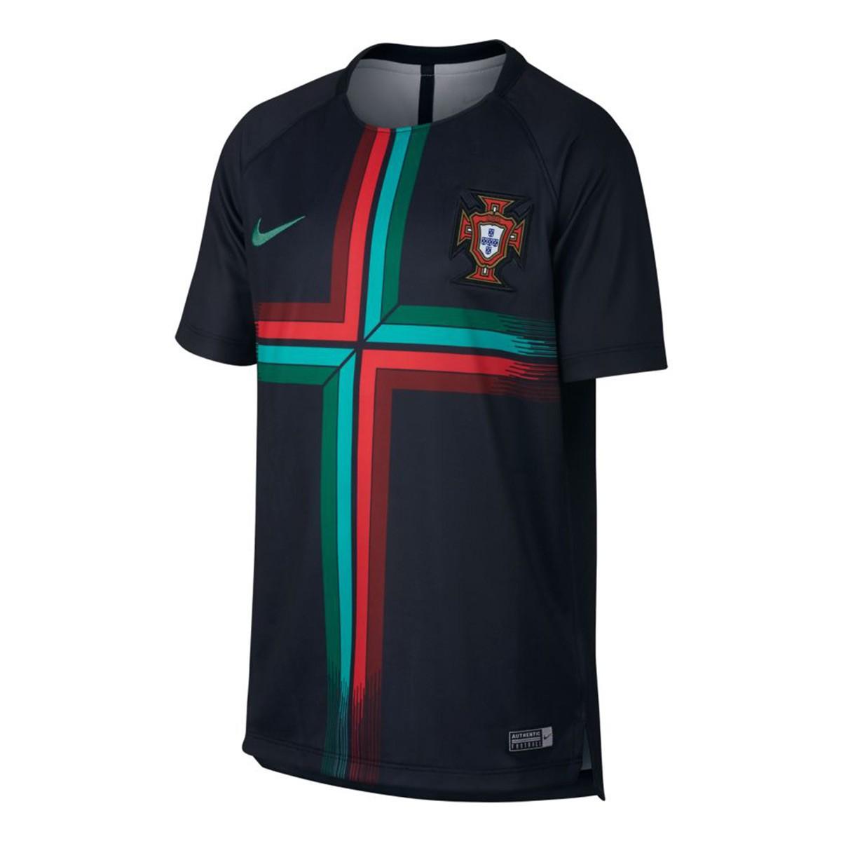 e3dcf3663c78d Camiseta Nike Portugal Dry Squad GX 2018-2019 Niño Black-Kinetic green -  Tienda de fútbol Fútbol Emotion
