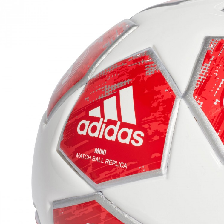 balon-adidas-mini-finale18-real-madrid-2018-white-silver-metallic-real-coral-vivid-red-3.jpg