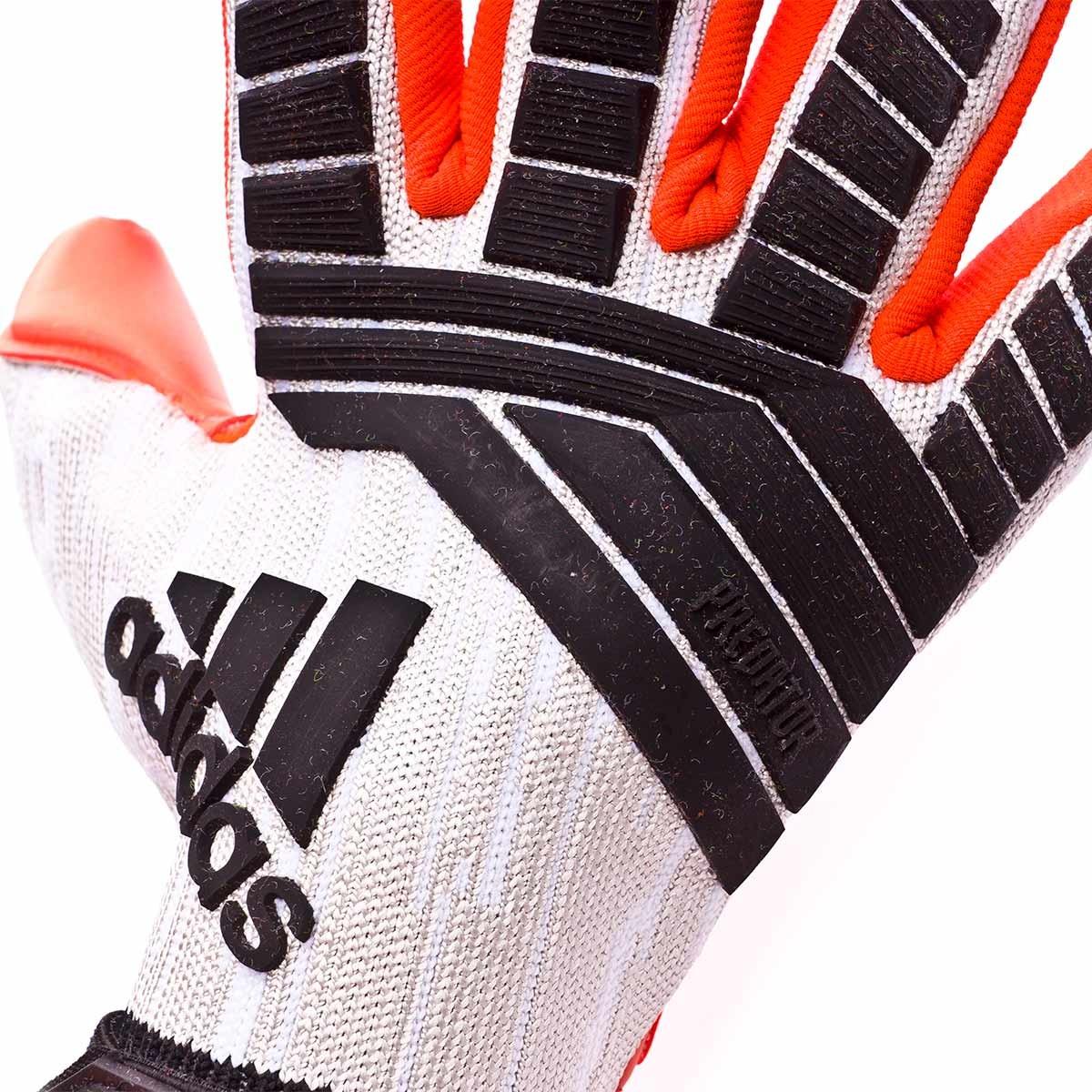 0f92eab27b43 ... Guante Predator Pro Manuel Neuer White-Black-Solar red. CATEGORY.  Goalkeeper Gloves
