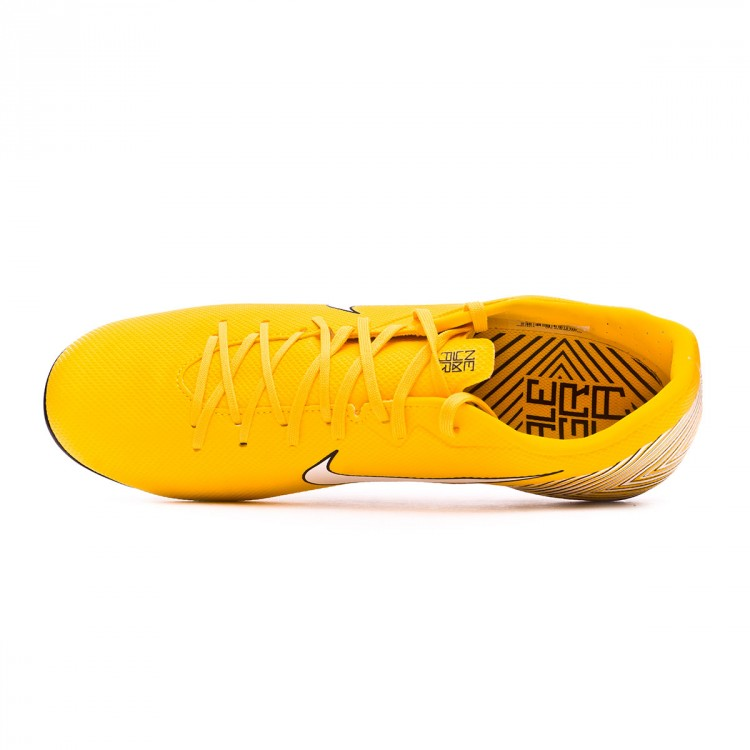 bota-nike-mercurial-vapor-xii-academy-mg-neymar-yellow-black-4.jpg