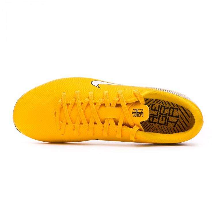 bota-nike-mercurial-vapor-xii-academy-mg-neymar-nino-yellow-dinamic-yellow-black-4.jpg