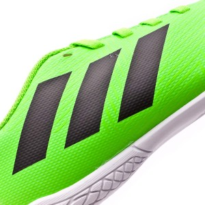 246fff26 Low-tier boot, equipped with an EVA layer that covers the boot almost  entirely in order to get a perfect cushioning against any type of impact.