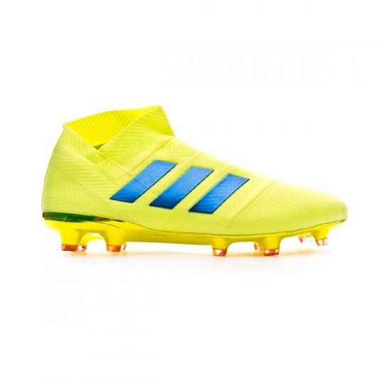 Bota de fútbol adidas Nemeziz 18+ FG Solar yellow-Football blue-Active red  - Soloporteros es ahora Fútbol Emotion fb9e7cfe049c9