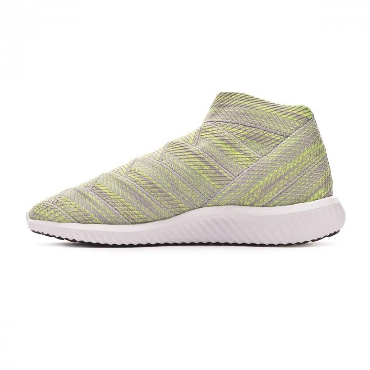zapatilla-adidas-nemeziz-18.1-tr-grey-two-core-black-solar-yellow-2.jpg