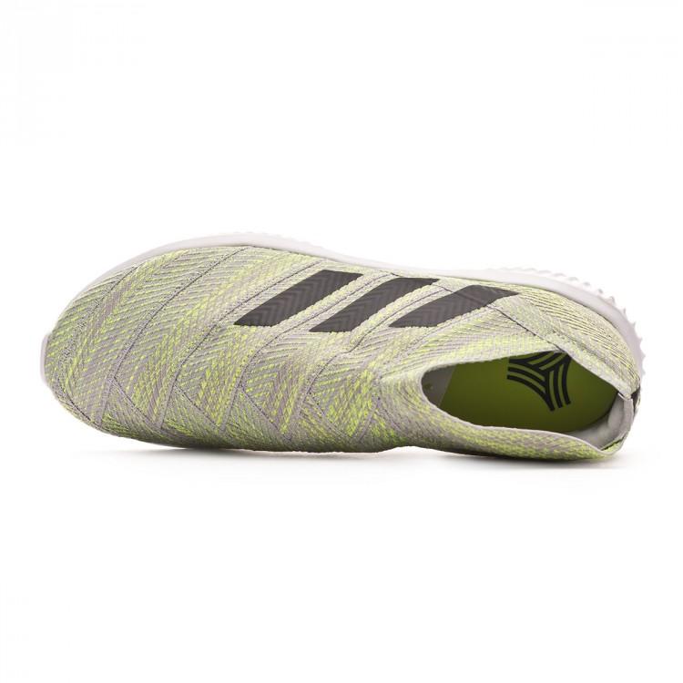 zapatilla-adidas-nemeziz-18.1-tr-grey-two-core-black-solar-yellow-4.jpg