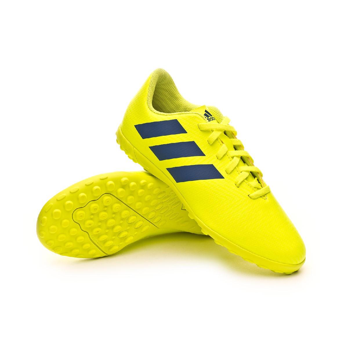 en pies imágenes de disfrute del envío de cortesía variedades anchas Football Boot adidas Nemeziz 18.4 Turf Niño Solar yellow-Football ...