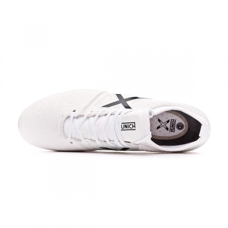 bota-munich-tiga-leather-soccer-blanco-marino-4.jpg