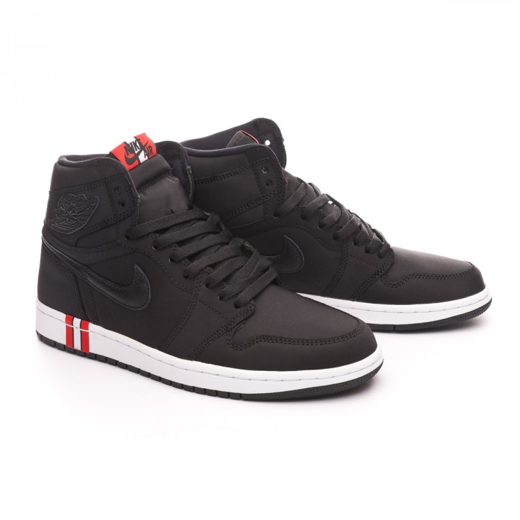 zapatilla-nike-air-jordan-1-retro-hi-og-jordan-x-psg-black-challenge-red-white-0.jpg