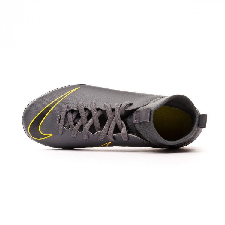 zapatilla-nike-mercurial-superflyx-vi-club-turf-nino-dark-grey-black-optical-yellow-4.jpg